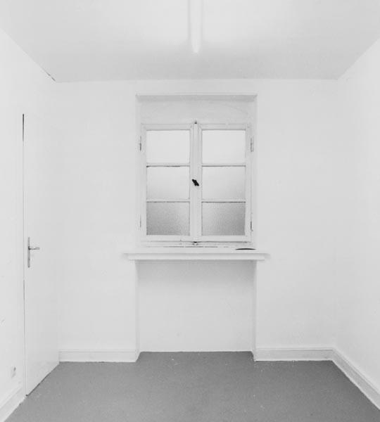 Gregor Schneider - 19940311_galerie_andreas_weiss_berlin_02