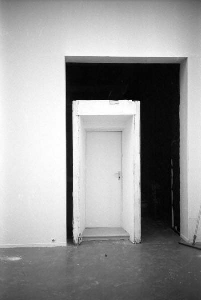 CONSTRUCTION: LA MAISON MORTE u r 1985-1998, Musée d\'Art ...
